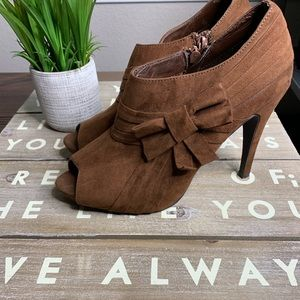 CATO booties side bow brown size 10 peep toe